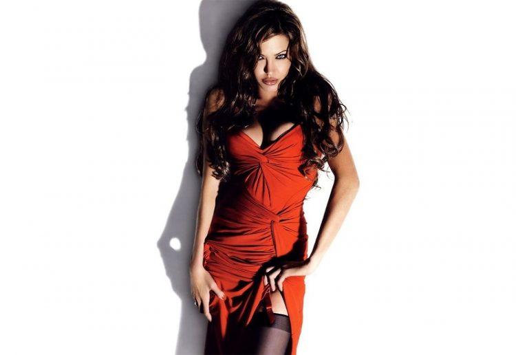 звезды в красных платьях