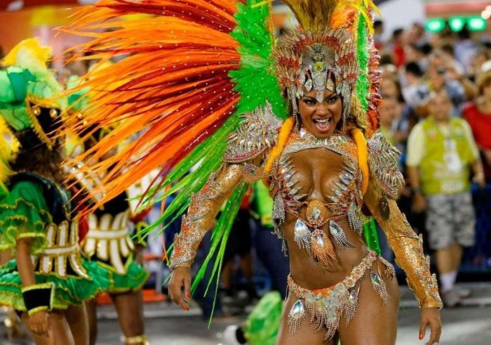 30 самых жарких образов карнавала в Рио-де-Жанейро